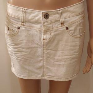 Guess, Ladies mimi skirts!